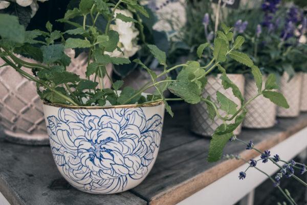 porcelain vase handmade in germany